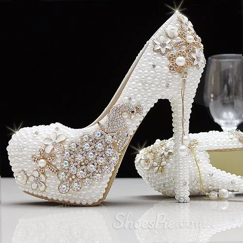 af4f1583bd087 These shinning shoes are very beautiful